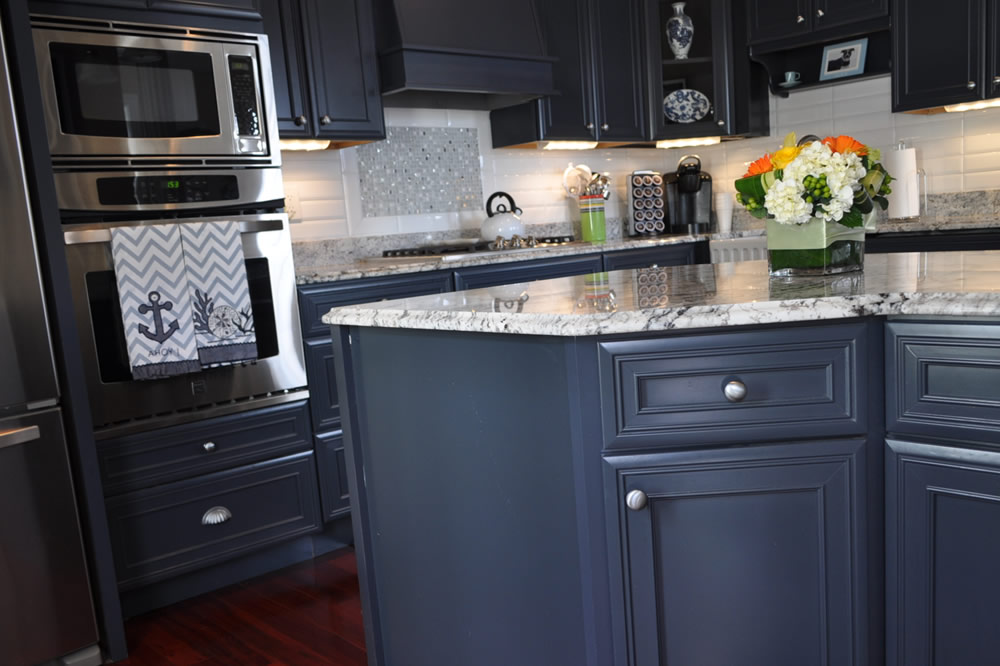 South Boston New Kitchen Cabinets and Countertop